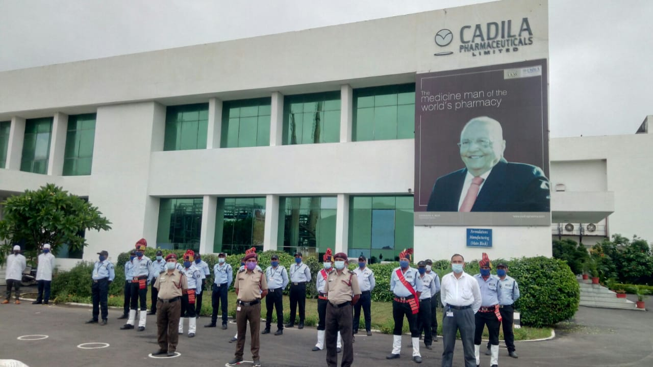 Cadila Pharma celebrates Independence Day by honouring the  COVID warriors
