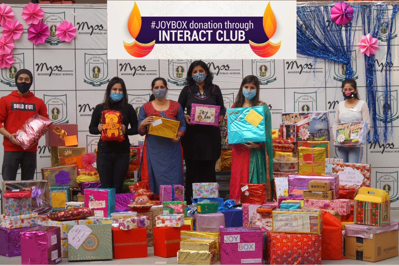The Joy Box! Modern Public School lights up the darkness this Diwali by distributing boxes full of goodies among the underprivileged
